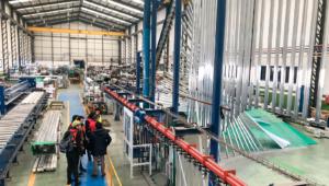 recorrido por la fábrica arquitectos zona de lacado de aluminio